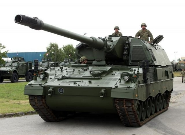 Croatia took delivery of its two first PzH 2000 155mm self propelled howitzers 640 001