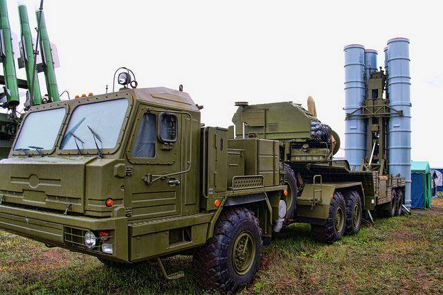 Russia could deliver a more modernized version of air defense missile system than S-300 to Iran 640 001