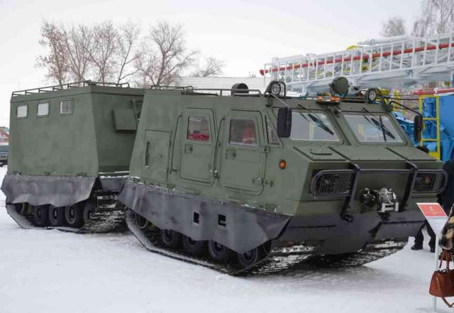 Armored articulated all-terrain tracked carrier DT-3PM unveiled for the first time 640 001