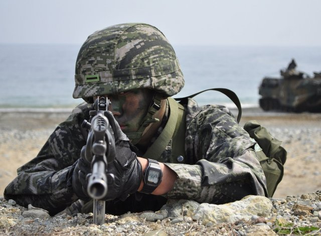 South Korea plans to conscript 20 000 more soldiers by 2018 640 001