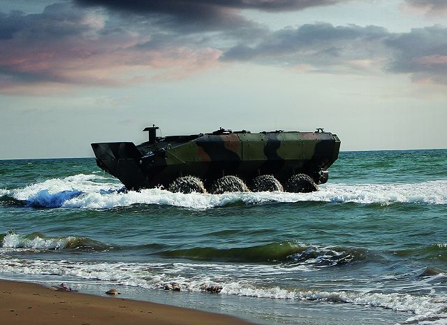 First Amphibious Combat Vehicle based on Iveco Defence Vehicles rolled out to the US Marines 640 001