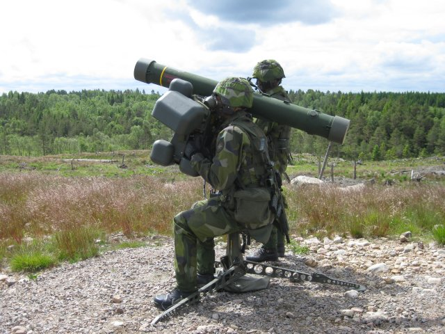 Lithuania strenghens its air defence capability with RBS 70 Simulators 640 001
