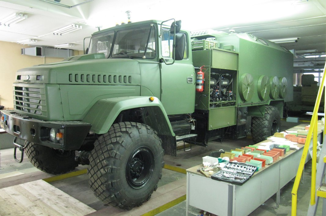 Ukrainian company AutoKrAZ has developped new command vehicle for Ukrainian armed forces 640 001