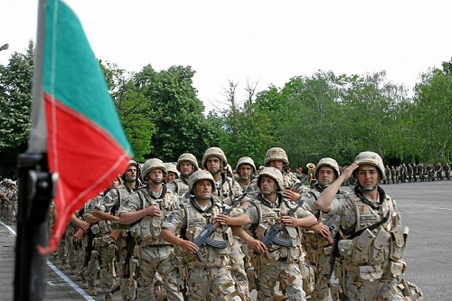 Bulgaria approved the deployment of 8 troops to boost the security of Turkey s airspace 640 001