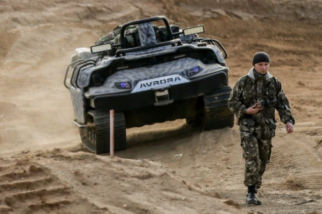 Russia develops robotized transport to carry infantrymen in battle 640 001