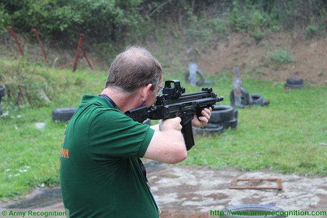 Live test firing and review of CZ 805 BREN assault rifle by