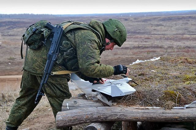 Russian army artillery units use Takhion mini-UAV to perform reconnaissance missions 640 001