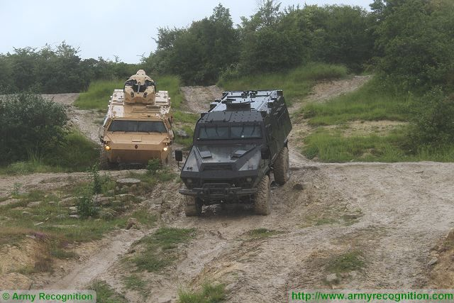 Live mobility demonstration for wheeled combat armoured vehicles of Renault Trucks Defense 640 001