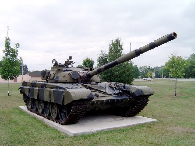 Russian-company-Uralvagonzavod-will-unveil-upgraded-T-72-tank-at-KADEX-2016-001
