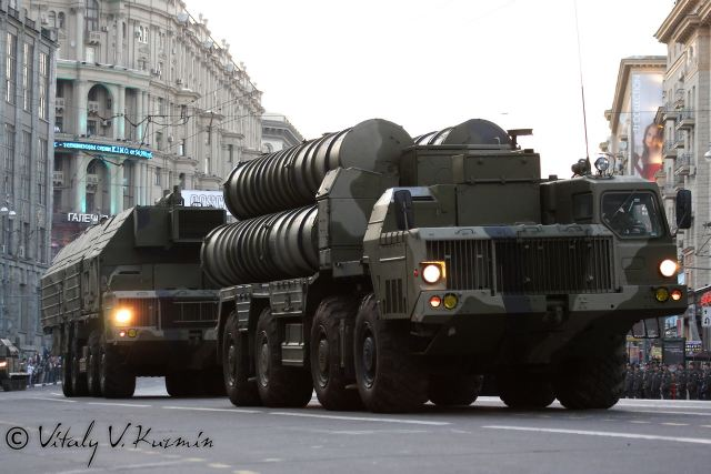 The Russian Aerospace Force (RusAF) has started activating mobile air defense (AD) missile brigades, with the first one formed in Khakassia early this year. The new AD brigades are highly mobile large units capable of covering hundreds of kilometers in mere hours and equipped with S-300 (NATO reporting name: SA-10 Grumble) and S-400 (SA-21 Growler) surface-to-air missile (SAM) systems, Pantsir (SA-22 Greyhound) anti-air gun/missile systems and Nebo-M radars, according to the Izvestia daily.