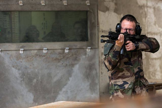 First shooting tests of new HK416F 5.56mm assault rifle by French Army soldiers 640 001
