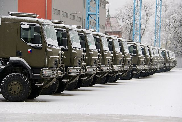 Czech Ministry of Defense takes delivery of 26 Tatra T-810 flatbed trucks 640 001