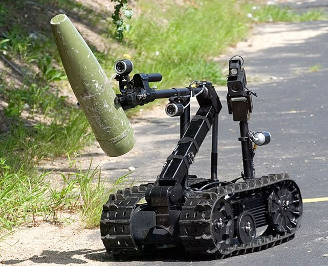 QinetiQ partners with Persistent Systems to Integrate MPU5 Radios into Unmanned Ground Robots 640 001