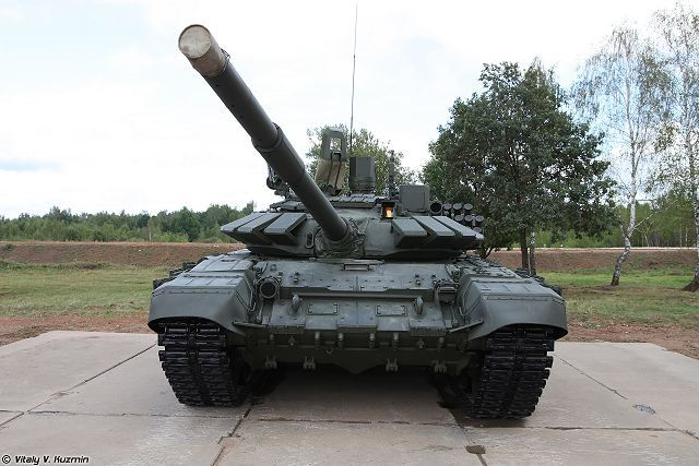 The Western Military District received a new batch of modernized T-72B3M army tanks, the press service of the district said.