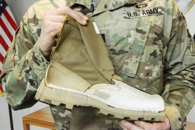 The standard issue combat boot most Soldiers wear today, the one most commonly worn in Iraq and Afghanistan, is great for sandy dunes, hot dry weather, and asphalt. But it's proven not so good in hot and wet environments. So the US Army has developed a new jungle boot that some Soldiers will see this year.