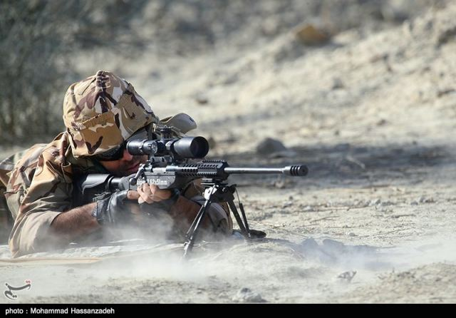 The Iranian Defense Ministry on Monday unveiled several state-of-the-art domestically made military products, including an advanced sniper rifle and a new type of Kalashnikov rifle, AK-133.