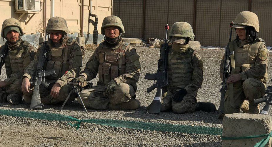 Afghan army training together to fight together