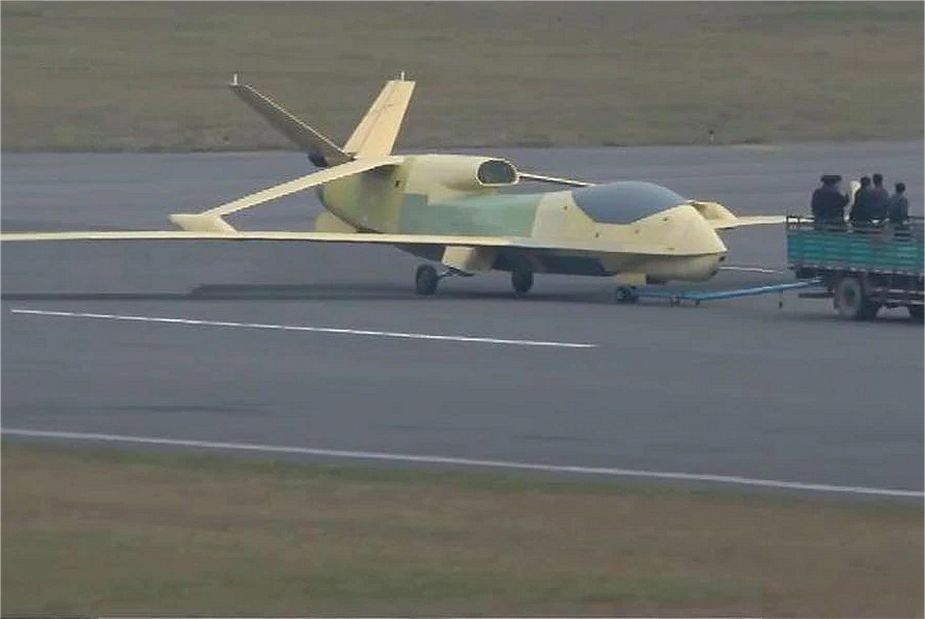 Chinese Soar Dragon HALE UAV Unmanned Aerial Vehicle used to spy US Navy USS Antietam 925 001