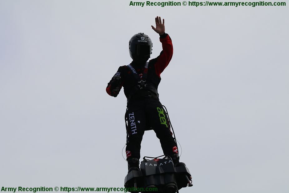 Flying Man Franky Zapata with its Flyboard to attempt to cross the sea from Calais to Dover 925 001