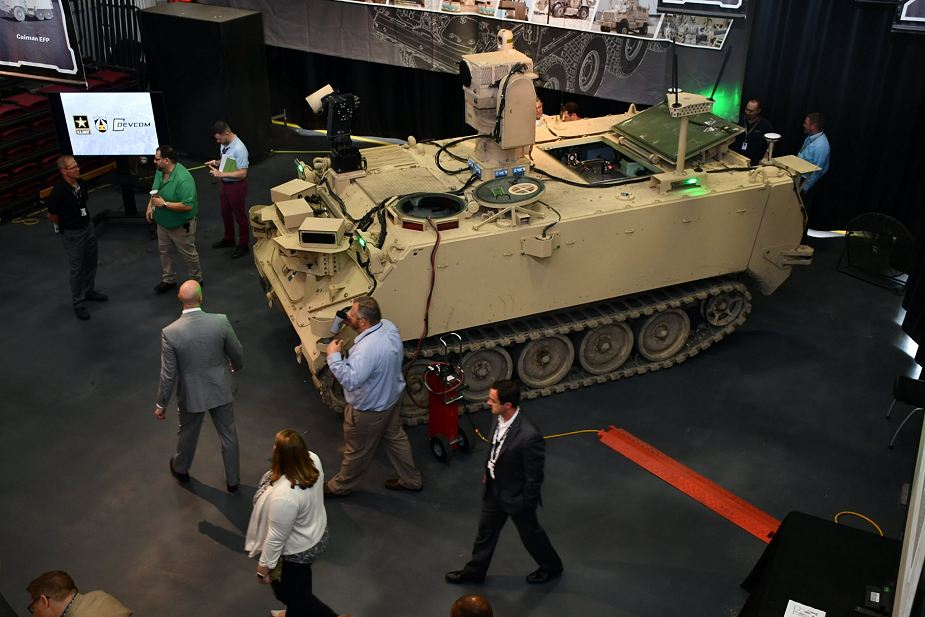 US Army unveils new Robotic Combat Vehicle based on M113 tracked APC platform 925 001