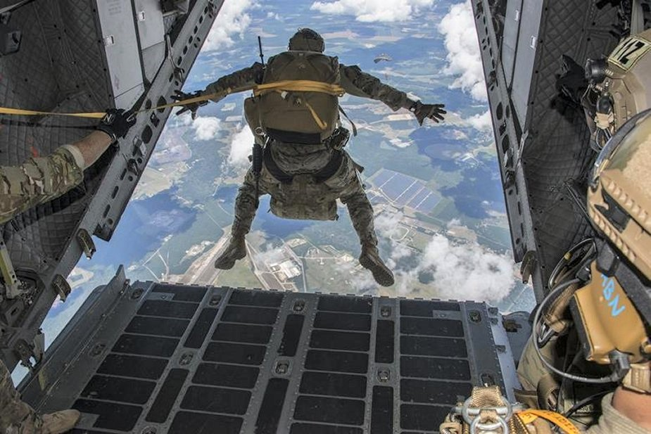 US Special Ops look for parachute to deploy above 25000ft for standoff missions