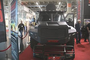 BlackWolf Cambli 4x4 armored truck tactical APC SWAT vehicle Canada Canadian defense industry front side view 001