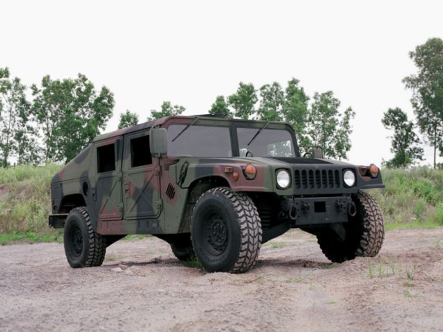 M1025 Humvee HMMWV 4x4 armament weapon carrier vehicle AM General United States US army military equipment 640 001