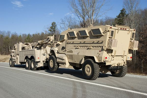 Military Vehicles For Sale >> MaxxPro Wrecker MRAP Navistar armoured recovery vehicle ...