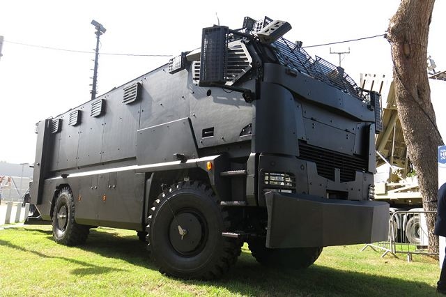 Guarder Plasan 4x4 armored truck ExpoDefensa 2015 International Exhibition of Defense and Security in Colombia 640 001