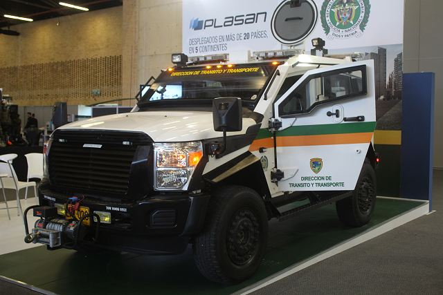 Plasan Sandcat ExpoDefensa 2015 International Exhibition of Defense and Security in Colombia 640 002
